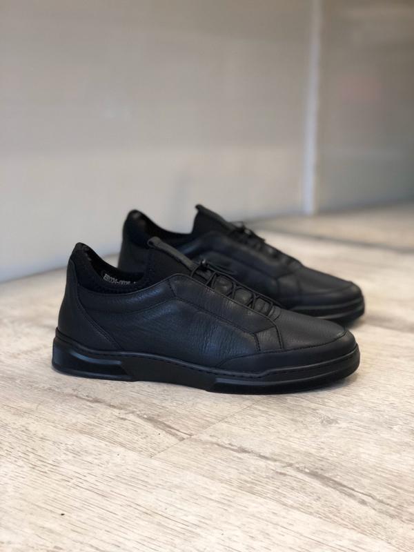Зимние кожаные кроссовки спортивные туфли