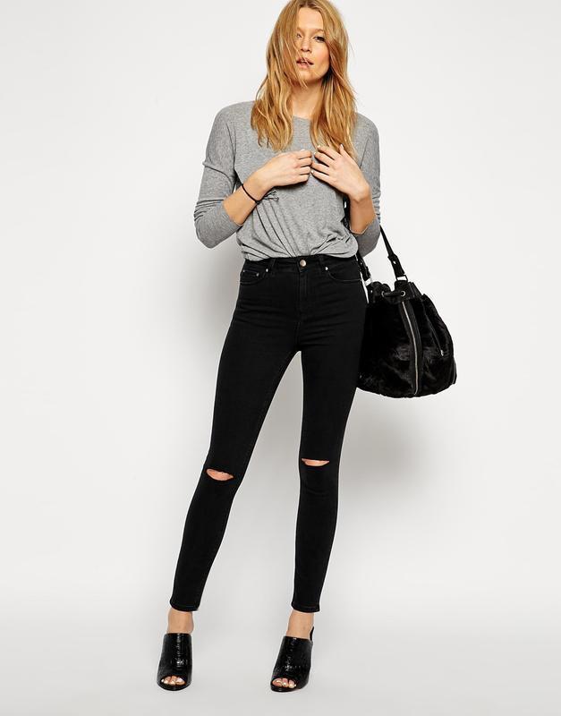 Стильные джинсы скинни с высокой посадкой талией рваными колен...