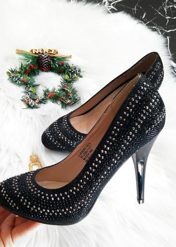 Новогодние блестящие туфли лодочки на каблуке размер 37 ! скид...