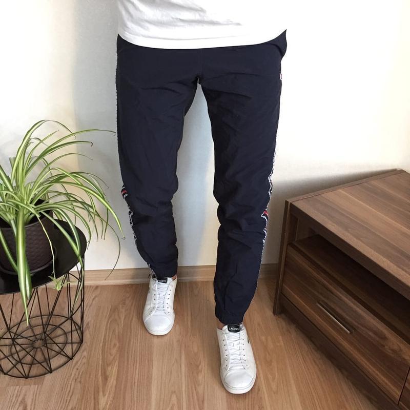 Крутые стильные спортивные штаны с лампасами champion