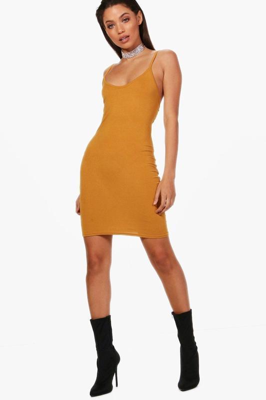 Boohoo базовое мини платье сарафан горчичного цвета, р.16, евр...