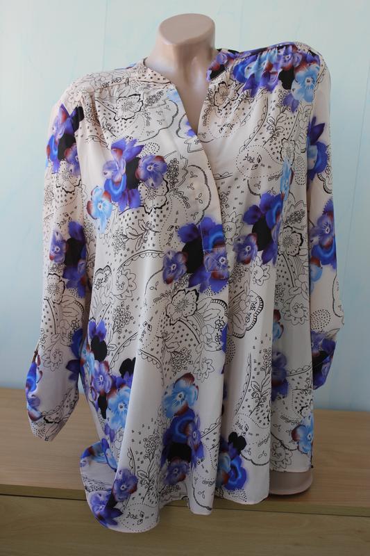 Нежная блуза с цветочным принтом m&co