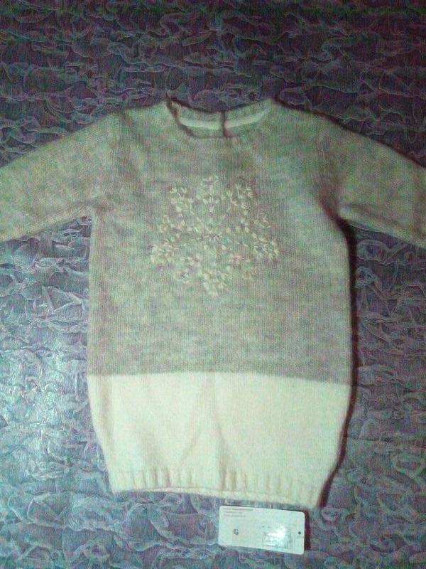 Удлиненный свитерок с снежинкой
