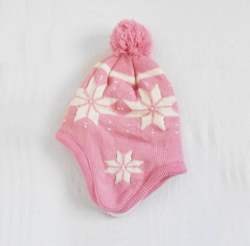 Теплая зимняя шерстяная шапка на флисе  с помпоном