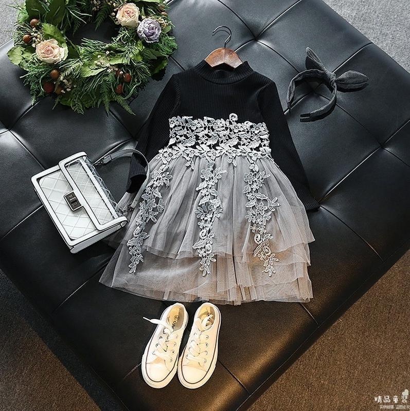 Очень красивое теплое платье девочке