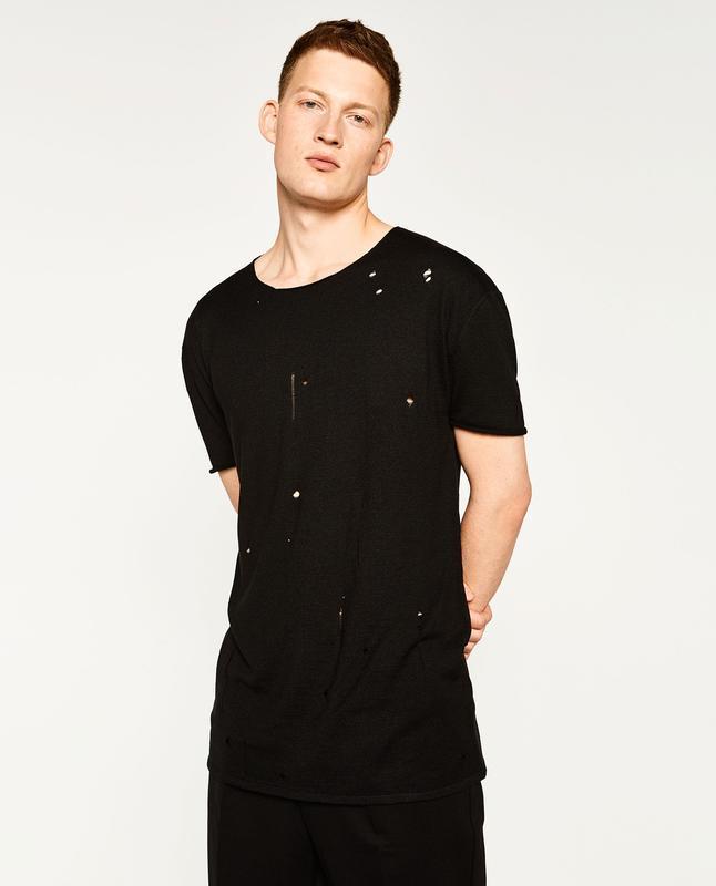 Чоловіча рвана футболка в чорному кольорі zara