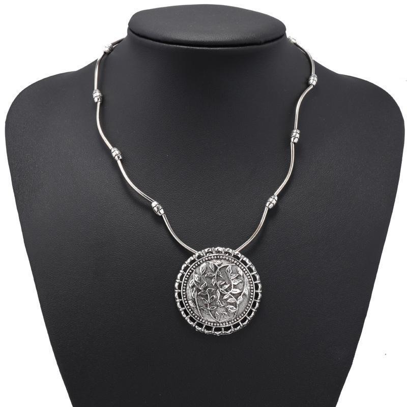 Мегастильное колье ожерелье в этническом стиле