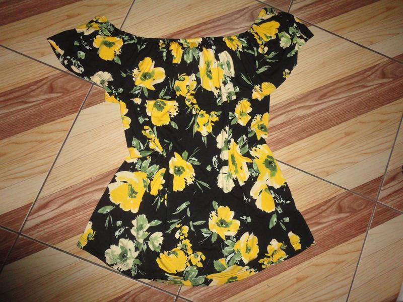 Яркая трикотажная блуза