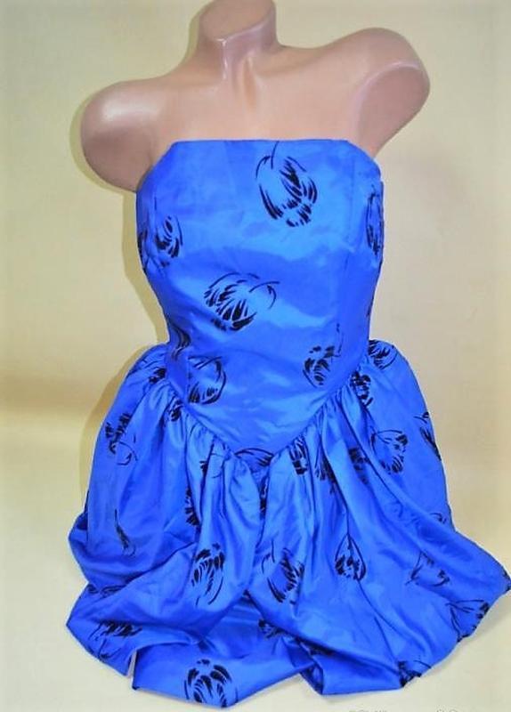 Стильное коктейльное платье бюстье rieger moden s-m