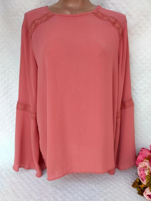 Красивая нежная блуза с кружевом размер 18 (46-48)