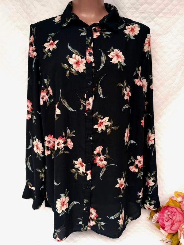 Красивая рубашка свободного кроя в цветы размер 16 -18 (46-50)