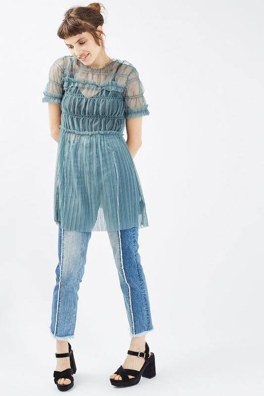 Бирюзовое платье-сетка туника с рюшами