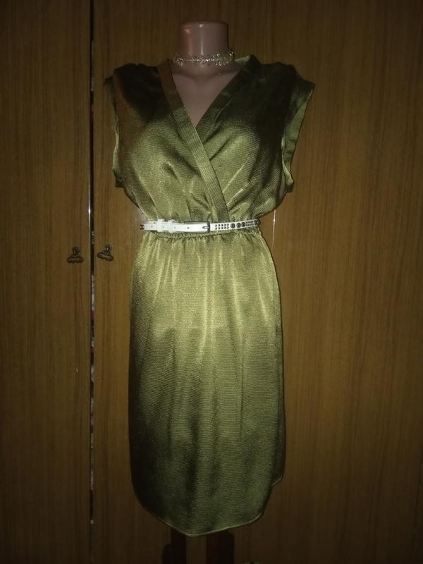 Нежное, атласное платье.