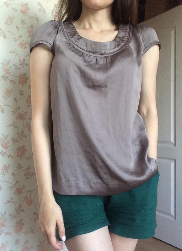 Легкая футболка атлас