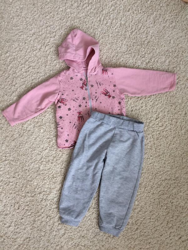 Спортивный костюм на девочку 1-1,5 года