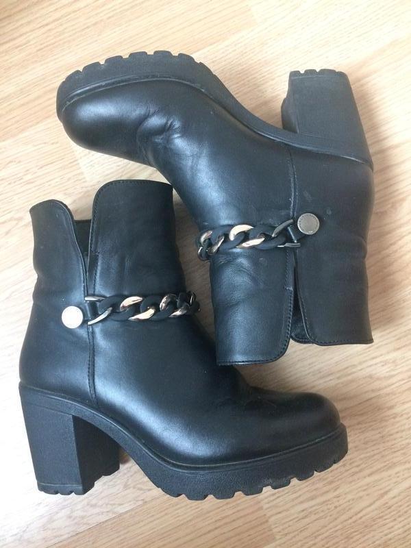Стильные кожаные ботинки деми 35-36р