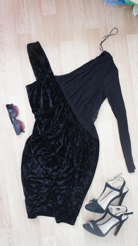 Интересное платье на новый год s
