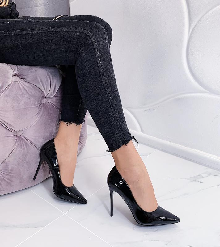 Новые шикарные женские лаковые чёрные туфли лодочки
