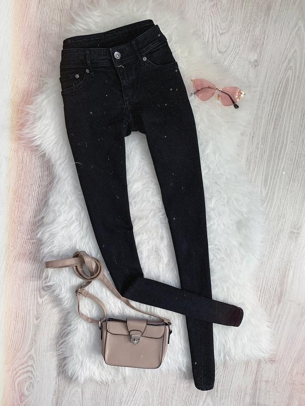 🌿 черные базовые джинсы скинни