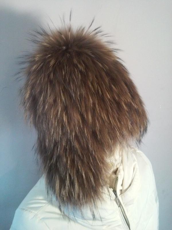 Меховая шапка ушанка из енота на вязаной основе
