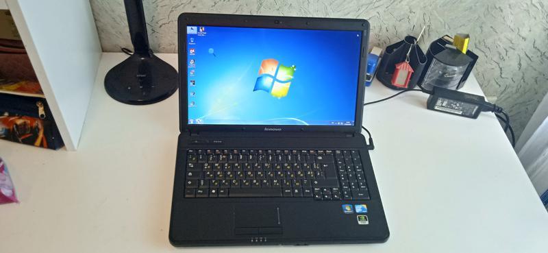 Ноутбук Lenovo B550 в хорошем состоянии батарея 2 часа