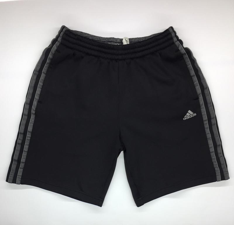 Мужские шорты фирмы adidas original размер s