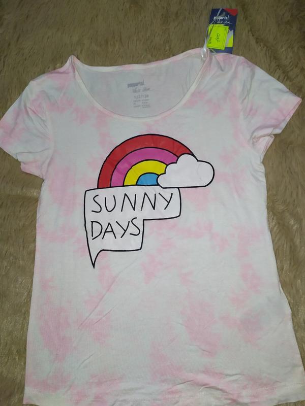 Очень классная футболка с ярким принтом