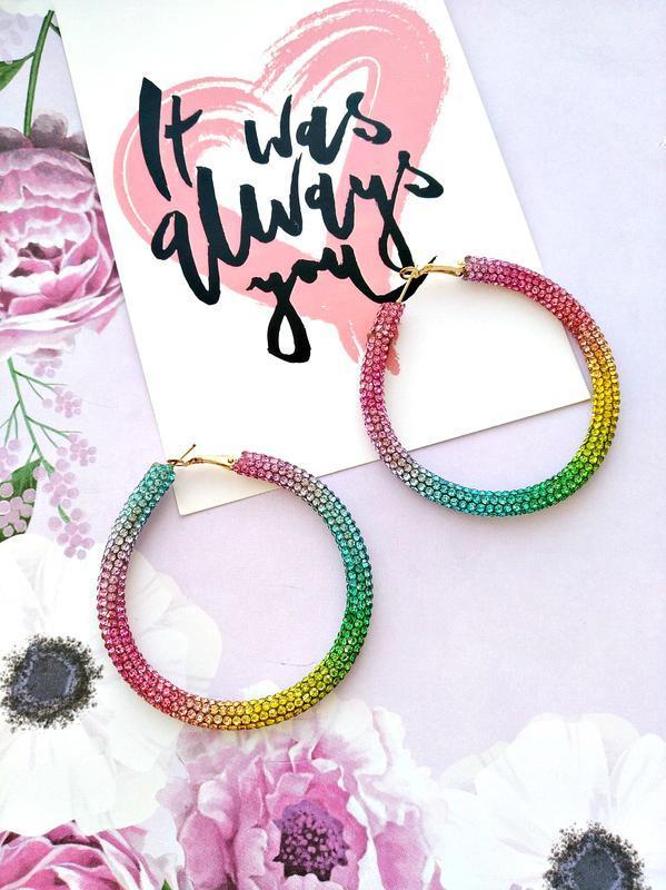 Шикарные радужные серьги кольца с кристалликами/разноцветные/т...