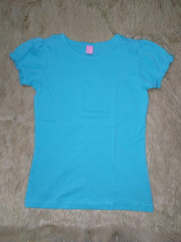 Однотонная футболка из высококачественного трикотажа