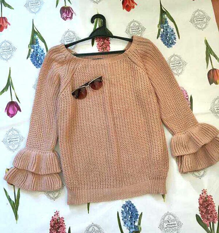 Стильный оверсайз свитер джемпер с рукавами воланами от piano ...