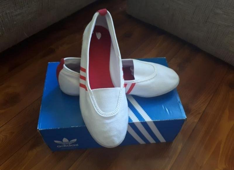Белые кеды, балетки adidas