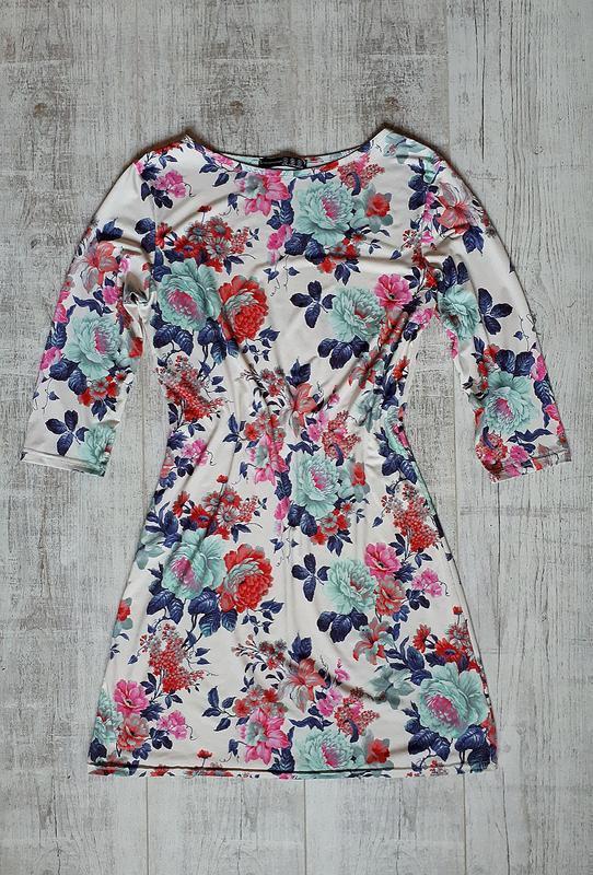 Платье обтягивающее в цветочный принт