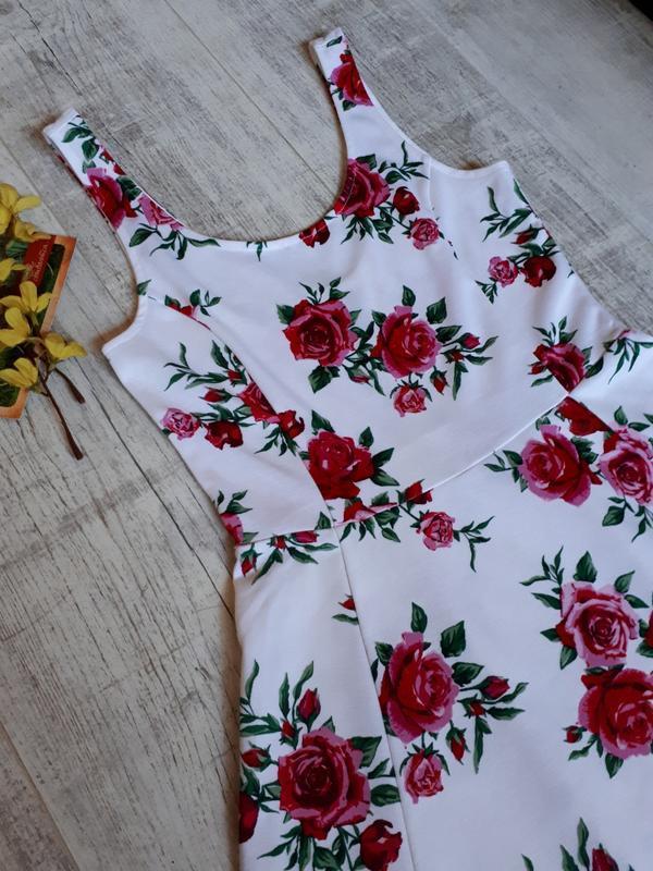 Платье в цветочный принт - Фото 5