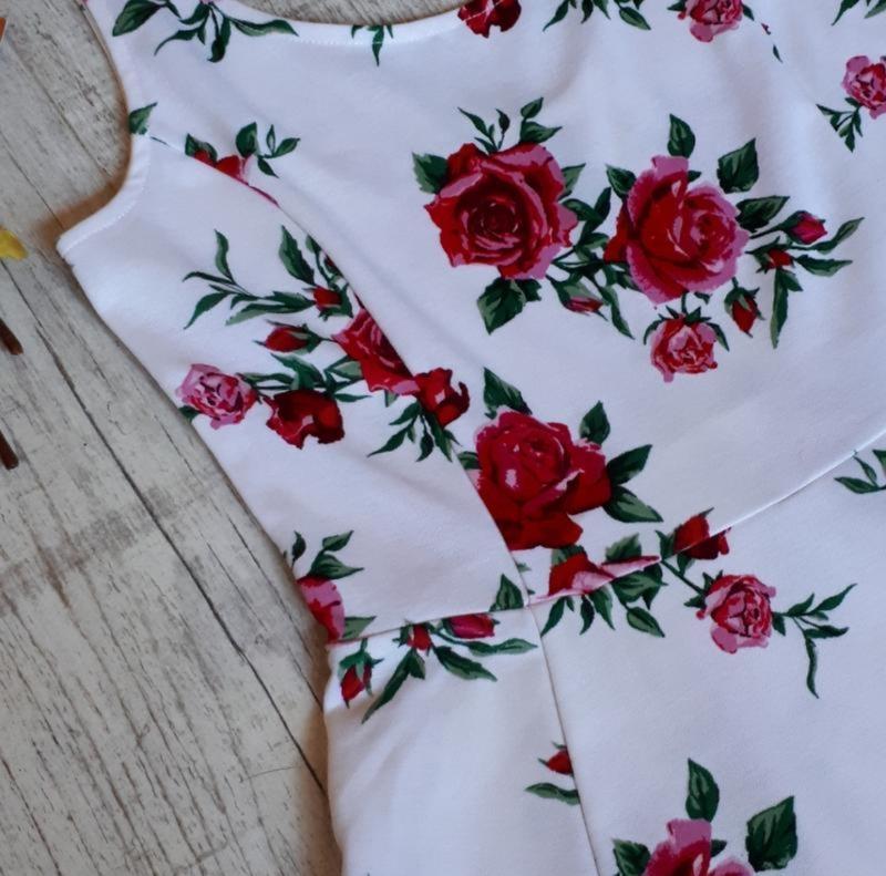Платье в цветочный принт - Фото 2