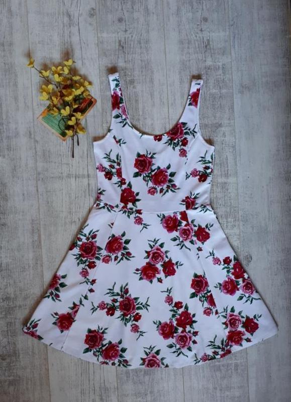 Платье в цветочный принт - Фото 4