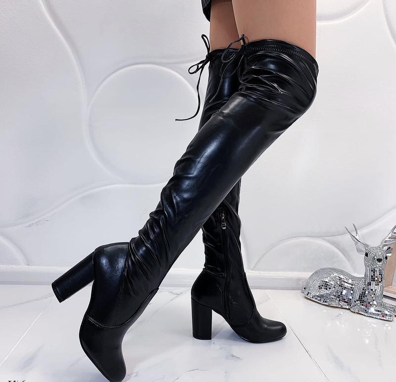 Новые шикарные женские осенние черные сапоги ботфорты