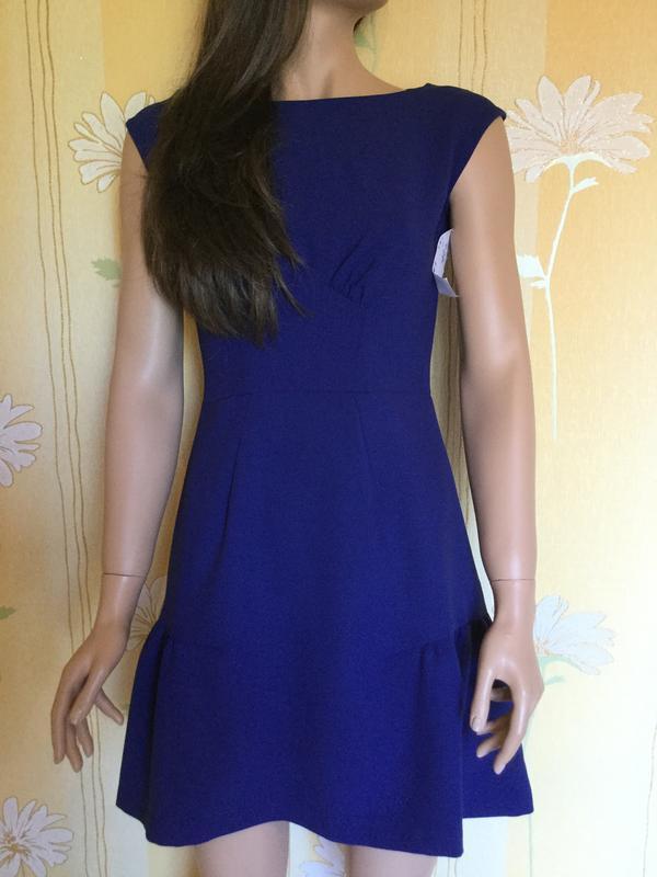 Платье элегантное almari размер 10