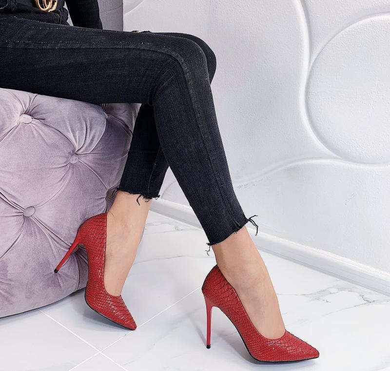 Новые шикарные женские красные туфли лодочки