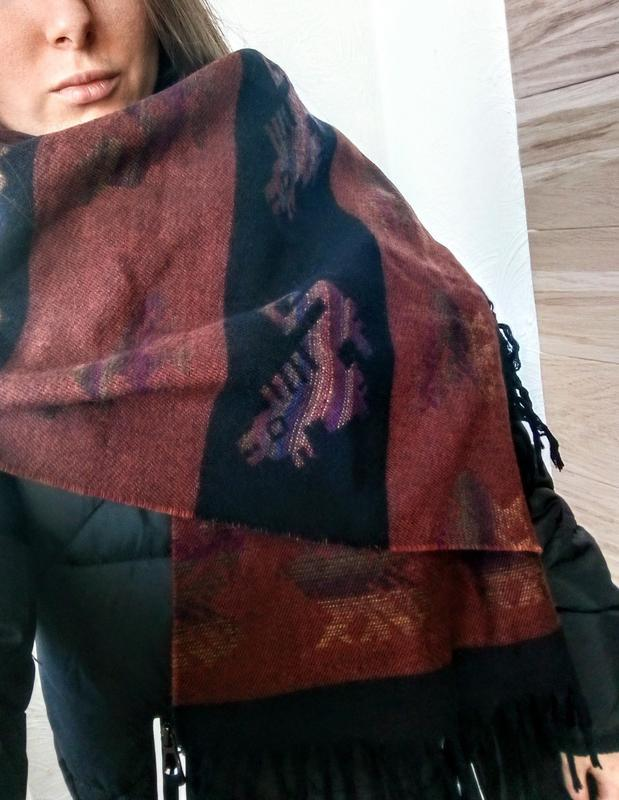 Шарф в этно стиле коричневый в орнамент