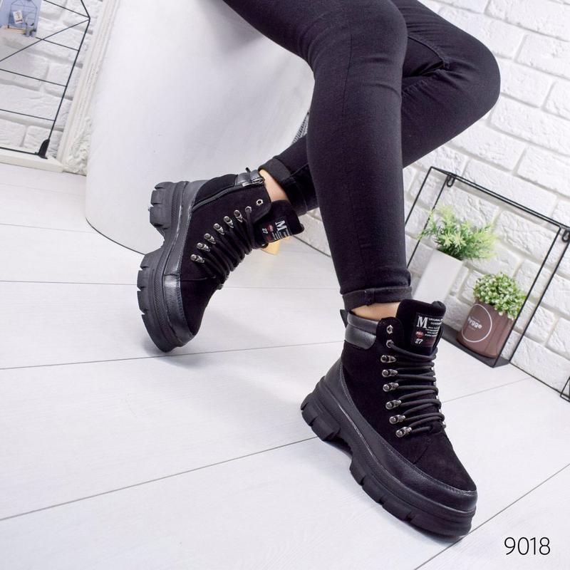 Стильные зимние ботинки ботинки на шнуровке