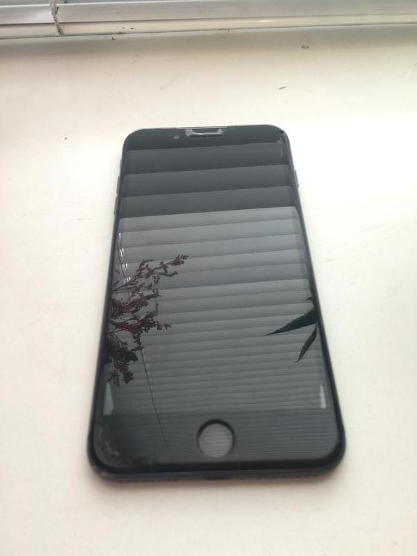 iPhone 8+ 64g ,айфон 8 плюс 64г