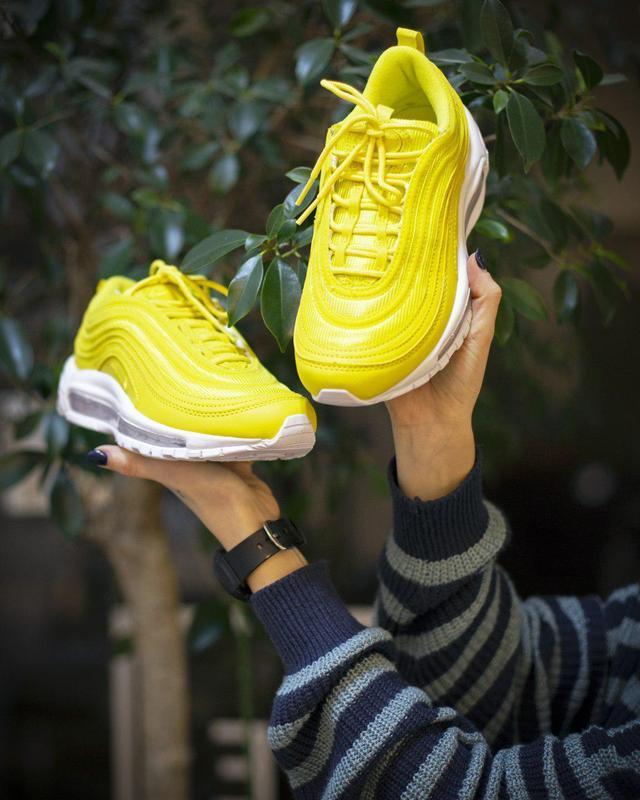 Прекрасные женские кроссовки nike в желтом цвете