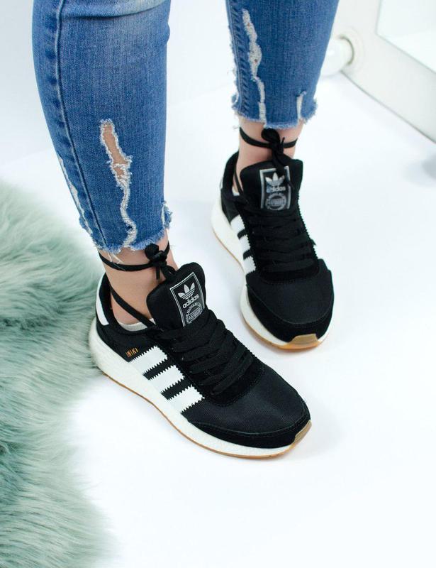 Удобные и красивые женские кроссовки adidas из текстиля (весна...