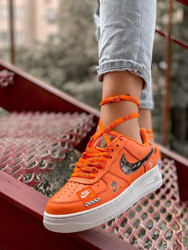 Стильные и яркие кроссовки nike air force orange из кожи (весн...
