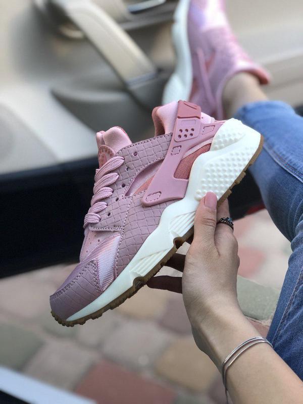 Акционная цена на прекрасные кроссовки nike в розовом цвете (в...