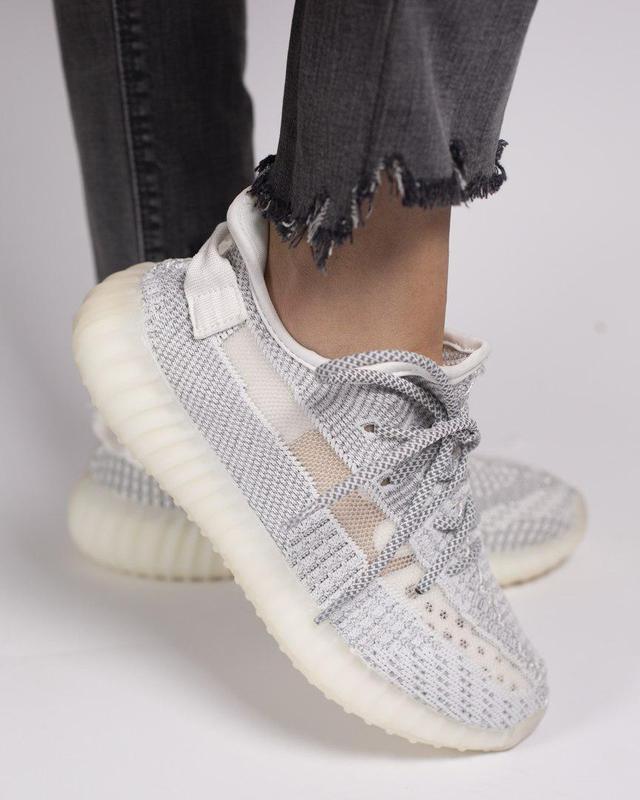 """Прекрасные кроссовки """"adidas yeezy 350 static"""" в сером цвете (..."""