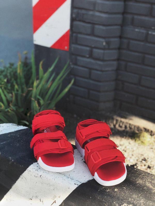 Шикарные женские сандалии adidas в красном цвете (весна-лето-о...