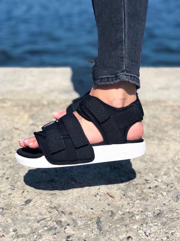 Шикарные женские сандалии adidas в черном цвете (весна-лето-ос...
