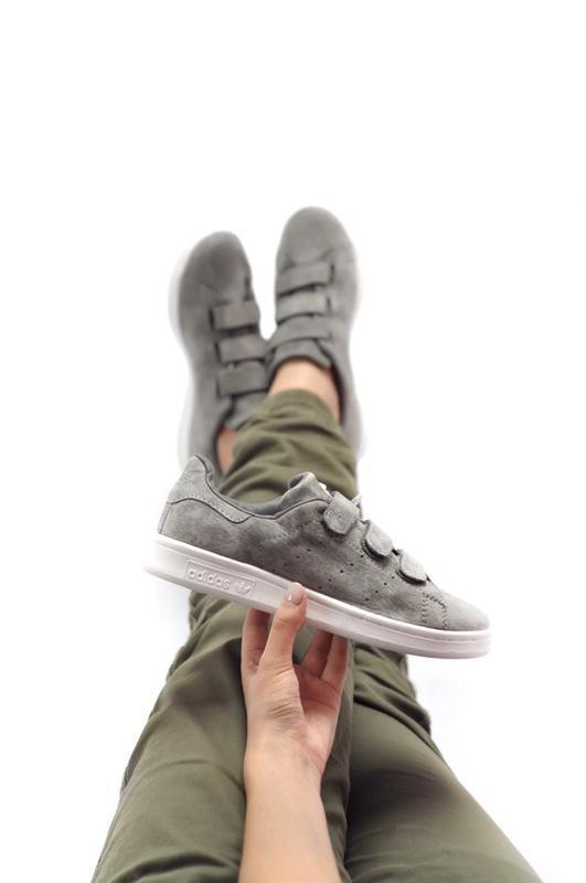 Удобные замшевые женские кроссовки adidas на липучках (весна-л...