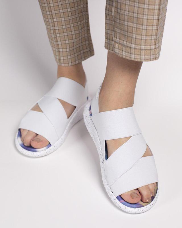 Шикарные женские сандалии adidas в белом цвете (весна-лето-осе...